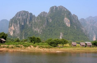 Nam_Song_River_Vang_Vieng_Laos_Wiki